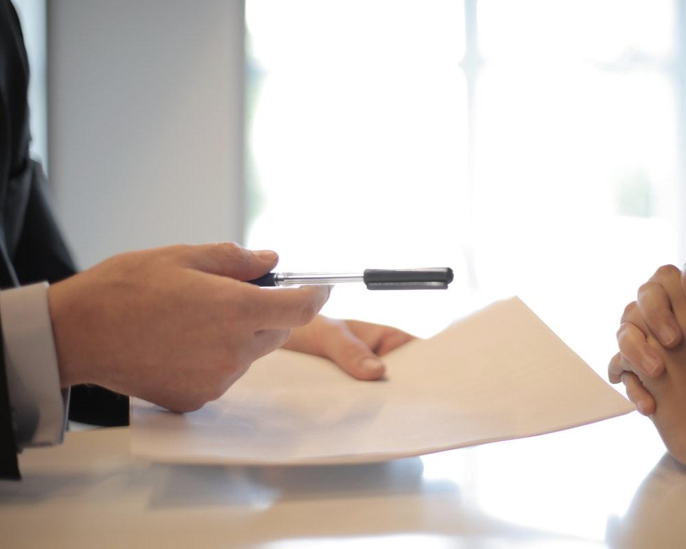 ugovor-olovka-potpis